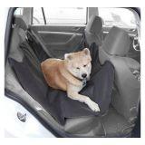 Ochranná impregnovaná deka vhodná k přepravě psa nebo nákladu na zadních sedadlech auta, nebo v zavazadlovém prostoru